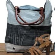 Titel Tasche blau